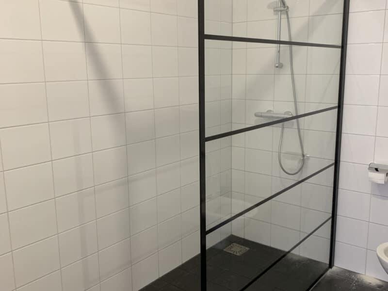 Glas voor in de badkamer